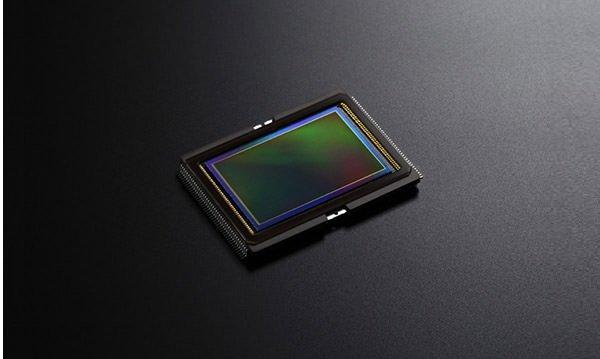 Canon EOS 6D với cảm biến CMOS 20.2MP