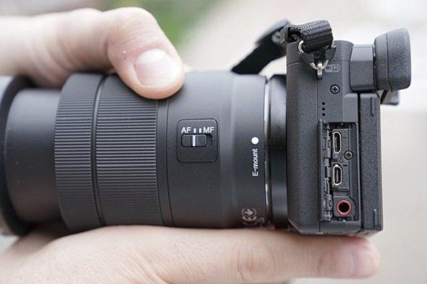 Cổng kết nối trên máy ảnh Sony A6400