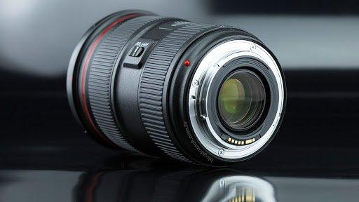 Canon EF 24-70mm f/2.8L II USM có động cơ lấy nét USM